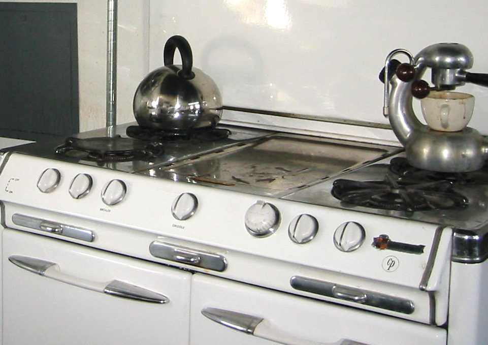 Mami with Atomic Stovetop Espresso on O'Keefe & Merritt 6-burner